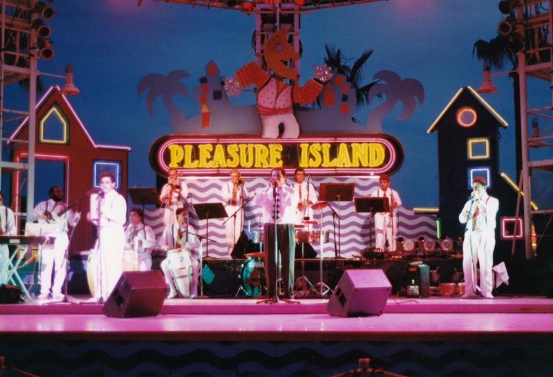 Orch Exito at Pleasure Island 1993  400dpi_20160823_0001 FIXED-2
